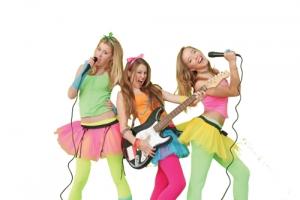 bigstock-kids-singing-and-dancing-7091645
