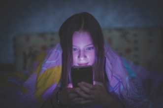 setting screen time limits for kids