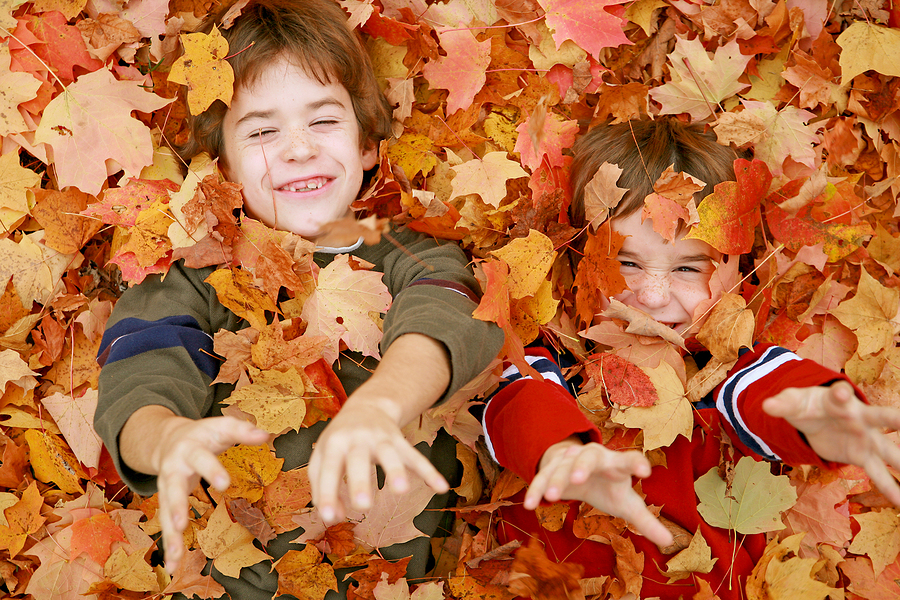 family fall bucket list with kids
